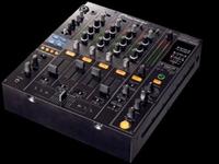 Picture of Pioneer DJM-800 Professional Digital DJ Mixer/MIDI Controller